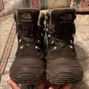Boys The North Face Boots size 1